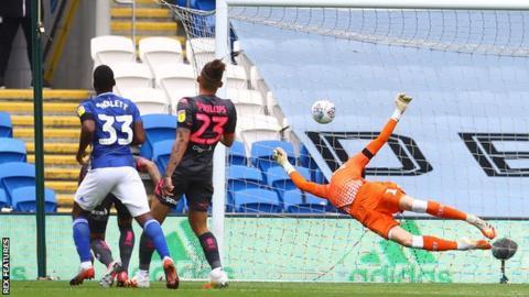 Junior Hoilett scores for Cardiff