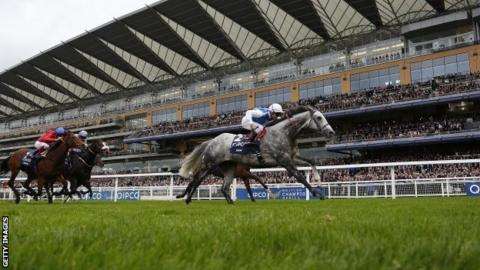 Solow wins Queen Elizabeth II Stakes at Ascot