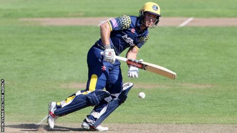 Colin Ingram of Glamorgan batting
