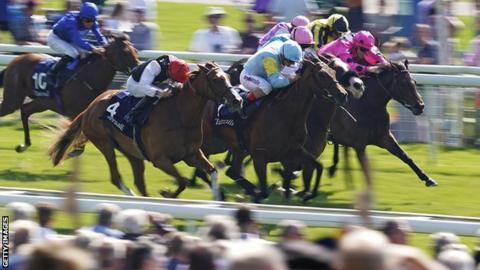 Nausha wins at York