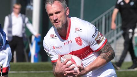 Jamie Peacock in action for Hull KR