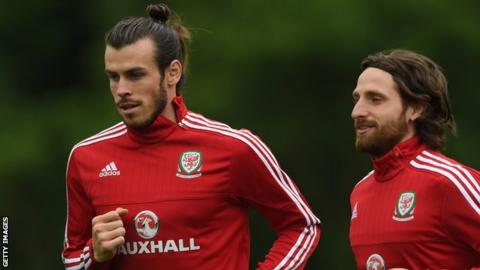 Gareth Bale (left) and Joe Allen