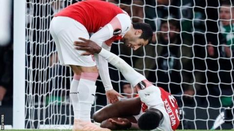 Arsenal's Henrikh Mkhitaryan and Danny Welbeck