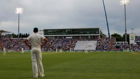 England play Australia in 2015 Ashes