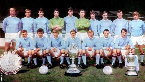 Manchester City's first team squad 1969-70: (back row, left to right) George Heslop, Alan Oakes, Mike Doyle, Ken Mulhearn, Tommy Booth, Harry Dowd, Stan Bowles, Arthur Mann, Glyn Pardoe, Tony Coleman; (front row) Dave Connor, Bobby Owen, Colin Bell, Tony Book, Francis Lee, Mike Summerbee, Neil Young