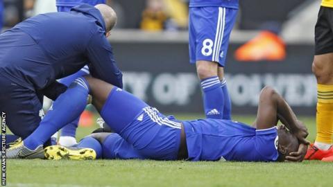 Sol Bamba receives treatment