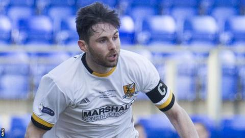 Ben Gordon in action for Alloa
