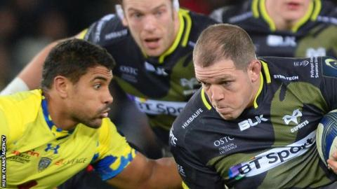 Paul James takes on Clermont Auvergne's Wesley Fofana