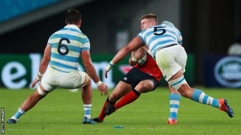 Owen Farrell Owen Farrell is tackled by Argentina's Tomas Lavanini
