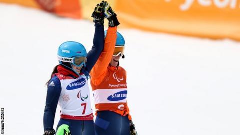 Menna Fitzpatrick (left) and Jen Kehoe celebrate their slalom gold at Pyeongchang 2018