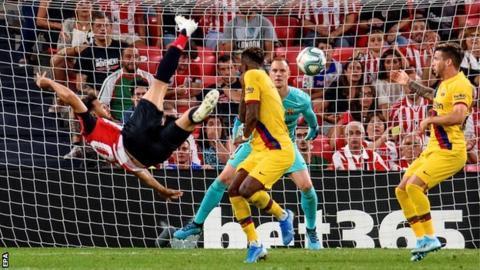Athletic Bilbao 1-0 Barcelona: Aritz Aduriz hits spectacular winner