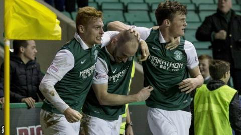 Hibernian players celebrating