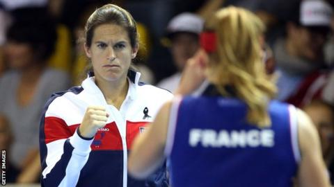 Mauresmo gives up France Davis Cup captaincy to help Pouille