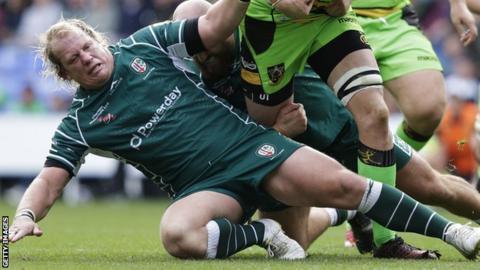 Petrus du Plessis in action for London Irish