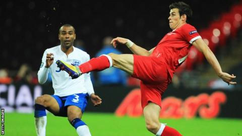 England's Ashley Cole (left) and Wales' Gareth Bale