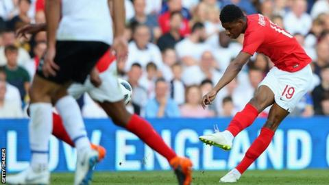 Kane rescues England with injury-time victor against Tunisia
