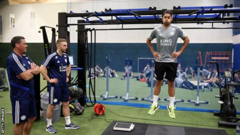 Leicester City coaches watch new signing signing Ayoze Perez