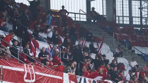 Aalborg fans congregate