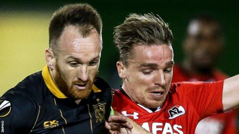 Dundalk's Stephen O'Donnell with Ben Rienstra of AZ Alkmaar