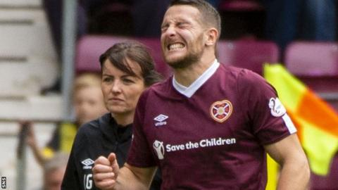 Washington was forced off near the end of Hearts' 3-2 loss to Motherwell
