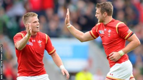 Gareth Anscombe and Dan Biggar are both in contention as Wales fly-half against Australia