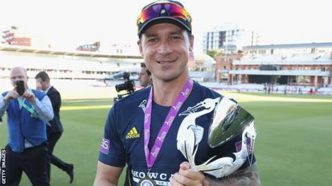 Dale Steyn celebrates winning the One-Day Cup for Hampshire