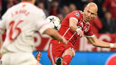 Bayern Munich: Arjen Robben agrees new deal with Bundesliga champions