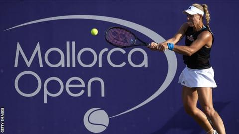 Kerber loses in Mallorca semis as Bencic sets up Kenin showdown