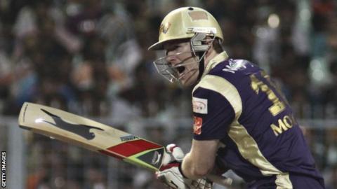 Eoin Morgan in IPL action