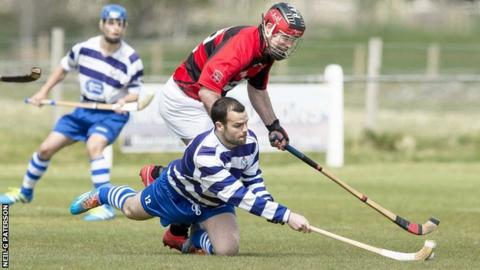 Newtonmore and Glenurquhart players