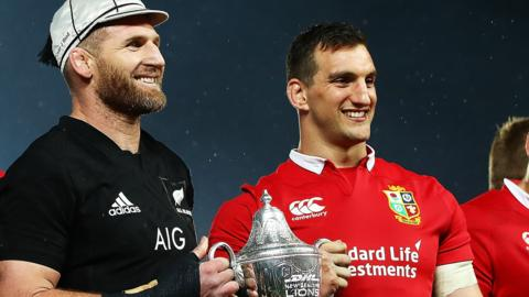 Sam Warburton and Kieran Read share the New Zealand v Lions spoils in 2017