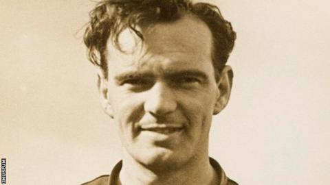 Scottish racer Bob McIntyre