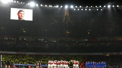 Cardiff and Arsenal players holding moment of reflection for Emiliano Sala before their game at Emirates Stadium