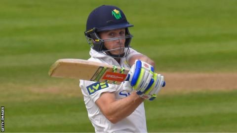 Mark Wallace hits out for Glamorgan