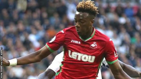 Tammy Abraham: Swansea striker expected to be fit for Bournemouth game