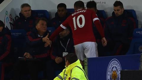 Wayne Rooney is substituted with an injury at Leicester City