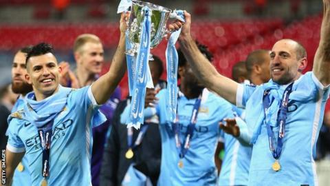 Manchester City celebrate winning the EFL cup in 2015-16