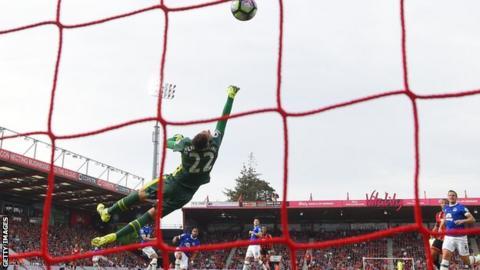 Junior Stanislas scores for Bournemouth