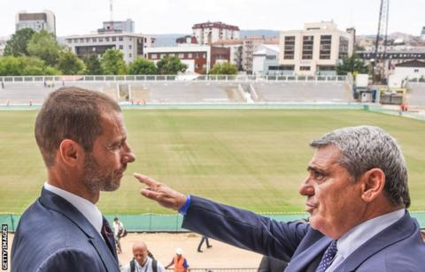 Fadil Vokrri with Uefa president Aleksander Ceferin at Pristina City Stadium