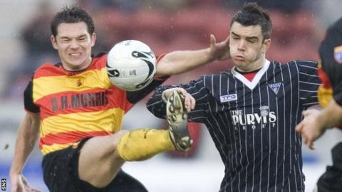 Derek Young playing for Partick Thistle against Dunfermline