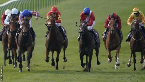 Hermosa wins the 1,000 Guineas