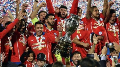 Chile players celebrate winning the 2015 Copa America