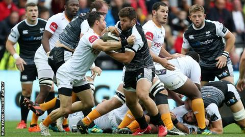 Ospreys prop Nicky Smith lasted just 18 minutes of the Pro14 game with Cheetahs before being forced off injured
