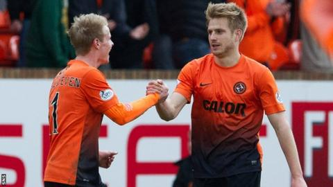 Gary Mackay-Steven and Stuart Armstrong playing for Dundee United