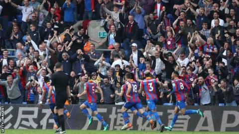 Crystal Palace celebrate Joel Ward's goal
