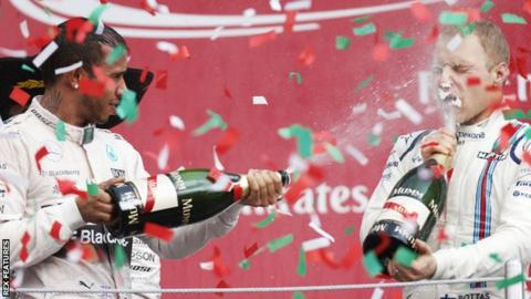 Lewis Hamilton (left) and Valtteri Bottas