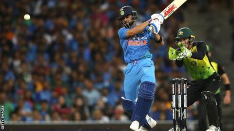 Australia v India: Virat Kohli's unbeaten 61 helps tourists draw T20 series