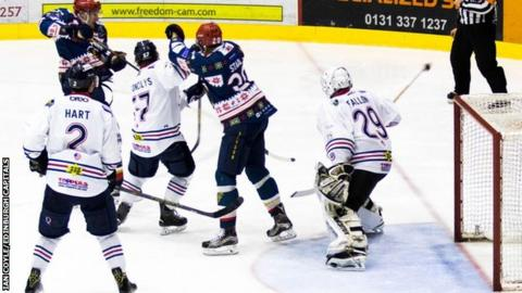 Dundee Stars recovered from Saturday's loss to Edinburgh with a thumping victory at home on Sunday