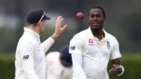 England bowler Jofra Archer (right) and captain Joe Root