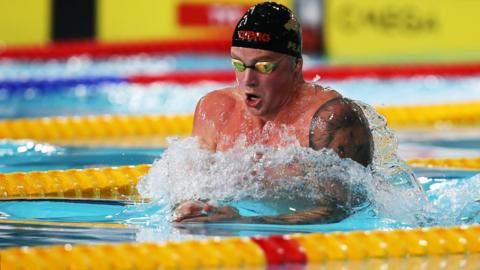 GLASGOW, SCOTLAND - APRIL 17: Adam Peaty of Loughboro NCcompetes in the final of the Men's 50m Breaststroke during day two of the British Swimming Championships at Tollcross International Swimming Centre on April 17, 2019 in Glasgow, Scotland. (Photo by Ian MacNicol/Getty Images)